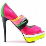 梦见穿别人的新鞋子是什么意思